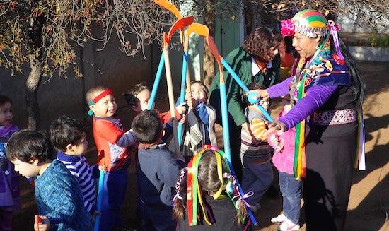 Con Lonco y Machi jardín infantil Viñamarino celebra llegada de año nuevo Mapuche