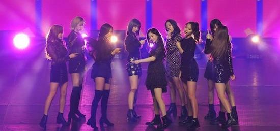 [VIDEOS] Twice hizo bailar a todo el Movistar Arena en Music Bank Chile 2018